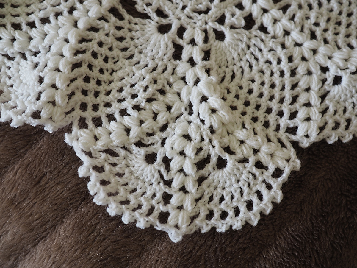 Ivory Wool Shawl - Close Up